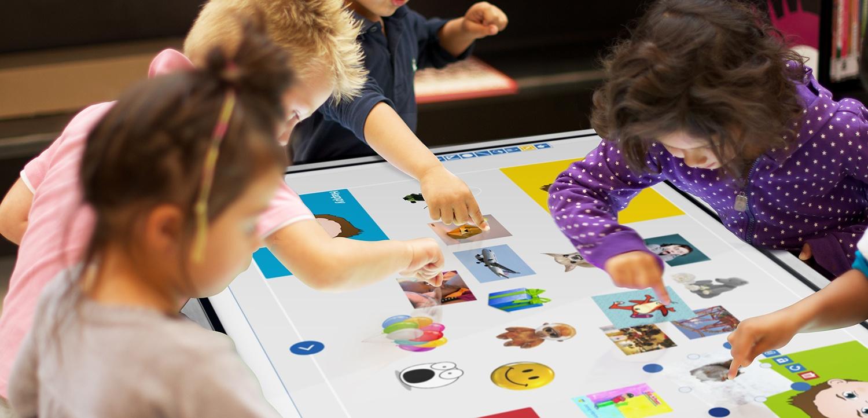 Prowise interaktiv skjerm i bruk i barnehage.