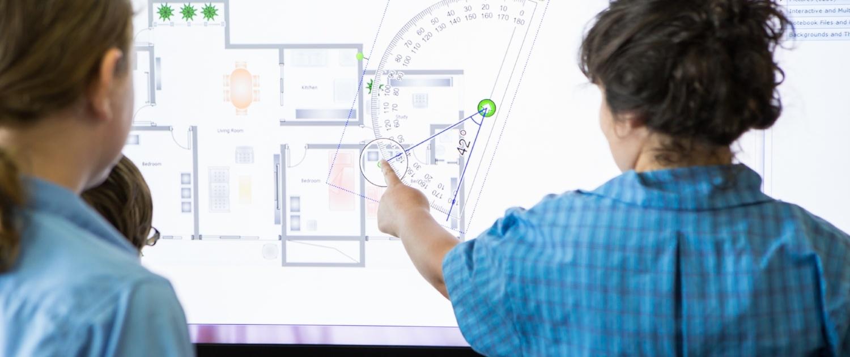 smartskjerm-matte-interaktivt-klasserom-697575-edited